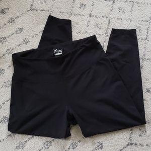 Old Navy Compression Leggings 7/8 length Black